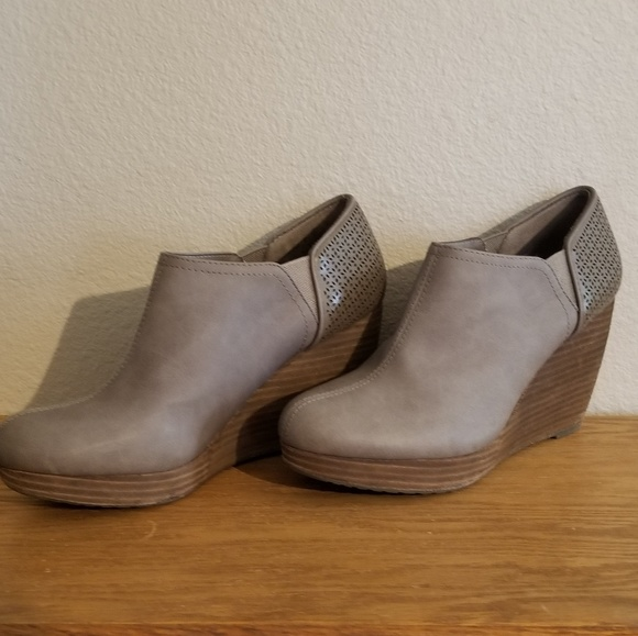 0a5f9a113495 Dr. Scholl s Shoes - Dr. Scholl s Women s Harlow Wedge Bootie
